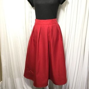 Dresses & Skirts - Pleated midi bright red skirt with pockets
